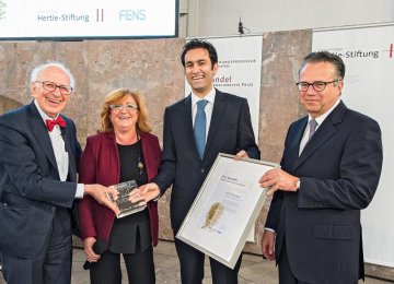 Iranian Scientist Receives Eric Kandel Prize