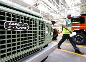Land Rover Killing Defender