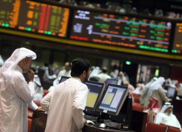 Mideast Markets Soft After Oil Slips Again