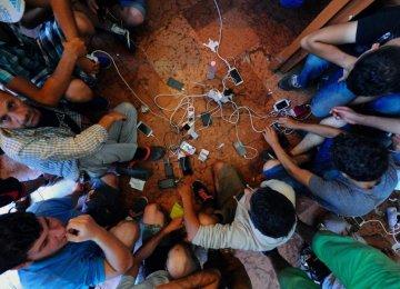 UN, Facebook to Bring Internet Access to Refugees
