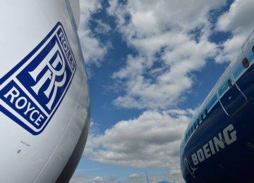 Rolls-Royce Warns of Fall in Profits