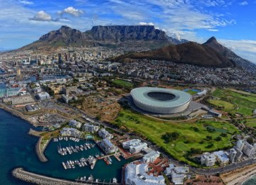 S. Africa Deficits, Weak Growth, a Risk to Policy