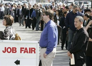 US Jobless Claims Rise