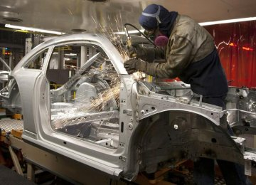 Iran Sweetens Offer to Foreign Automakers