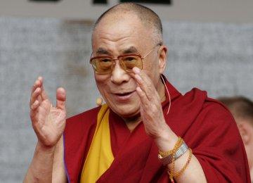 Dalai Lama Warns of Global Warming on 'Roof of World'