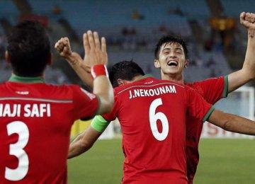 Hotshot Azmoun Puts Iran Among 8 Teams