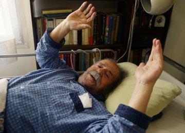 Veteran Actor Honored at Home