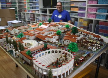 Lego Blocks Recreate Ancient City of Pompeii