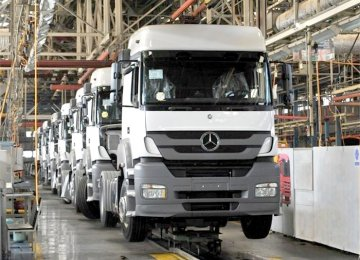 Daimler to Fight for Iran Truck Market