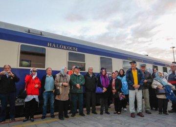 Luxury Tourist Train Enters Iran