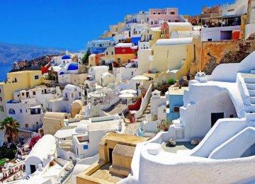 Greek Tourism Thriving Despite Eurozone Concerns