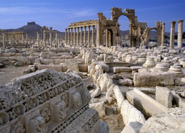 IS Blows Up Ancient Palmyra Temple