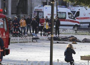 Blast Kills 10 in Istanbul Tourist Hub