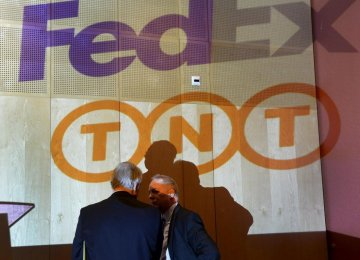 Fedex, TNT Express Say Takeover to Go Ahead
