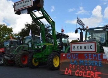 1000s of Farmers Protest Over Slumping Prices