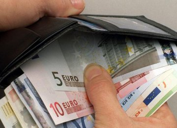 Germans See Rise in Salary