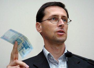 Hungary to Tweak Bank Tax Law