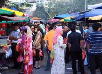 Malaysians' Income Rises