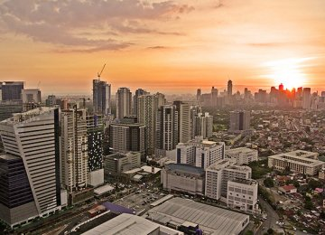 Philippines Growth  Picks Up