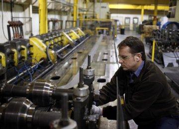 US Sees Sluggish Growth