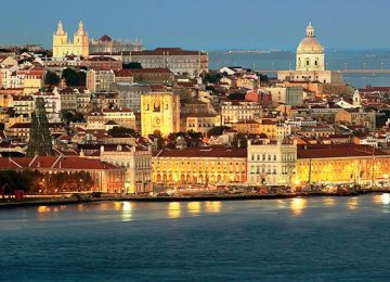 Portugal May Miss Budget Deficit Target