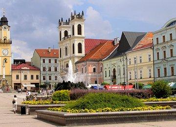Slovakia Trade Surplus Low
