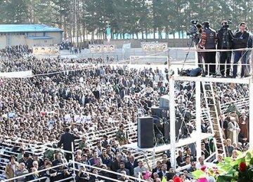 Rouhani Endorses CBI's 4% Growth Report