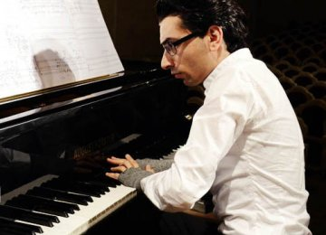 Armenian Pianist to Perform in 5 Cities