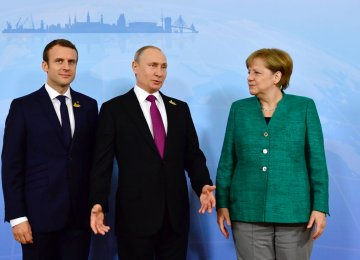 Russia, Europe Engage in Talks to Prevent Nuclear Deal's Collapse