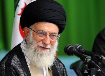 Leader Donates Money to Free Prisoners
