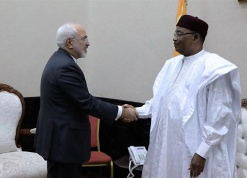 Zarif Meets Top Niger Officials