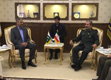 Tehran, Islamabad Eager to Accelerate Defense Coop.