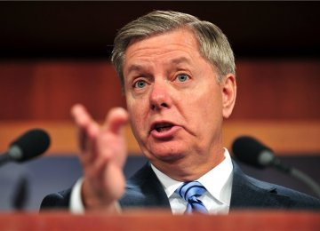 US Senator Seeking to Include Russia Bans in Iran Bill