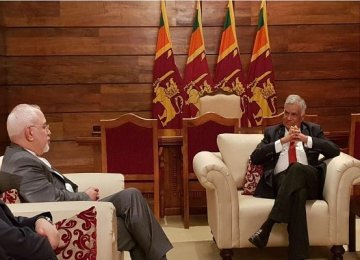 Zarif Confers With Lanka Leaders