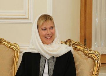 Swedish Envoy Commends Iran's Diplomacy
