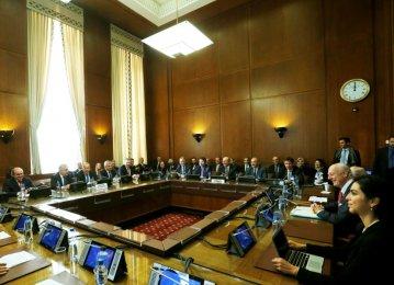 High-Level Talks in Geneva Mull Over New Syria Constitutional Body