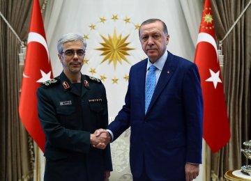 Iran, Turkey  Agree to Enhance Defense Coop.