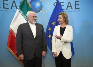 Zarif, Mogherini Discuss JCPOA in Singapore