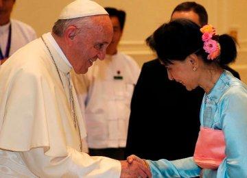 Pope Francis Avoids Mention of Rohingya in Myanmar Speech