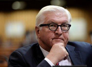 German President Urges Greens, FDP Leaders to Restart Coalition Talks
