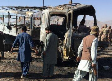 Truck Explosion Kills Seven  in Pakistan
