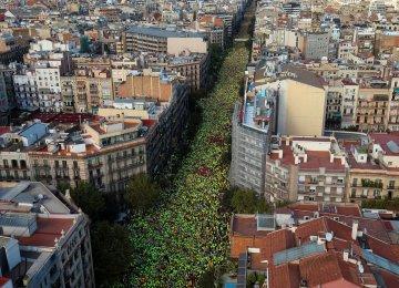 Catalan Mayors Defy Spain Gov't