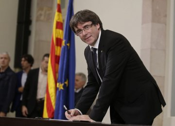 Catalan Leader Urged to Definitively Declare Independence