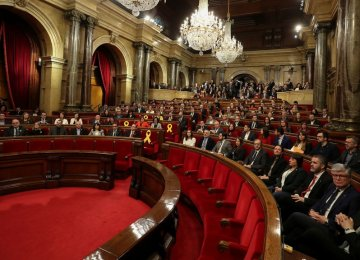 Catalan MPs Elect Separatist Speaker  as Sacked Leader Eyes Comeback
