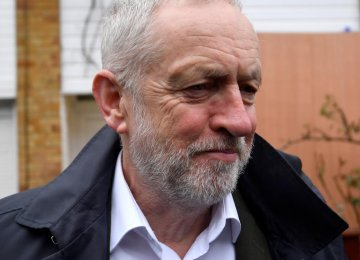 Corbyn Panned for Spending Passover With Anti-Israel Group