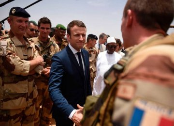 Macron Vows to Help Fight Terrorists in Mali