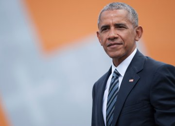 Obama Will Reemerge in  'Delicate Dance' With Dems