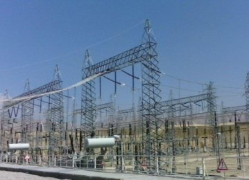 Iran, Russia, Azerbaijan Discuss Ways of Harnessing Power Infrastructure