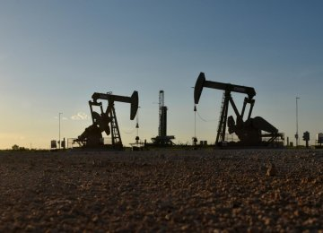 Oil Prices Tumble 2 Percent