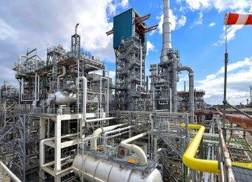 Hit Hard by Coronavirus, Shell Plans Multi-Billion Writedown